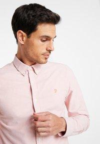 Farah - BREWER SLIM FIT - Shirt - peach - 3