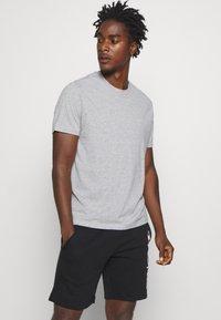 Champion - LEGACY CREW NECK 3 PACK - Basic T-shirt - black/white/grey - 4
