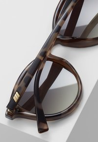 Le Specs - FIRE STARTER - Sunglasses - volcanic tort - 5