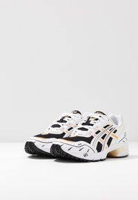 ASICS SportStyle - GEL-1090 - Trainers - black/white - 6
