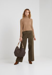 pure cashmere - TURTLENECK - Trui - dark beige - 1