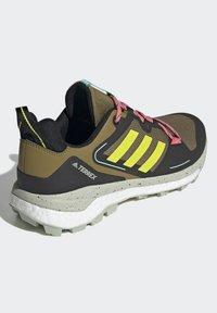 adidas Performance - TERREX SKYCHASER 2 - Hikingsko - wild moss/acid yellow/acid mint - 2