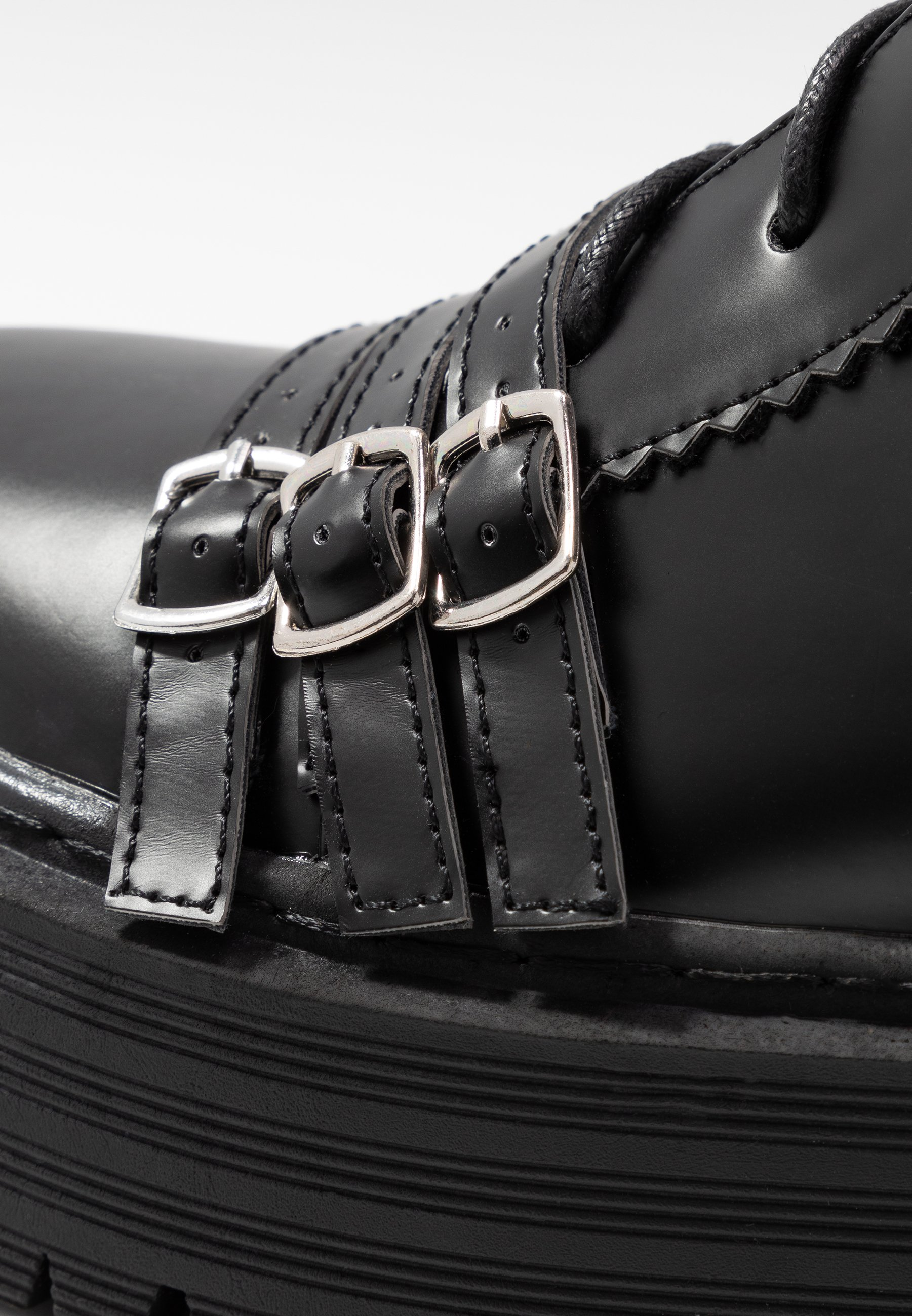 2013 Cheapest Lost Ink BUCKLE DETAIL CHUNKY LACE UP BOOT - Cowboy/biker ankle boot - black   women's shoes 2020 TCLrC