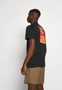 Converse - ALL STAR  ARCHIVE TEE - Print T-shirt - black - 0
