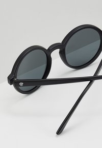 CHPO - Sunglasses - black - 4