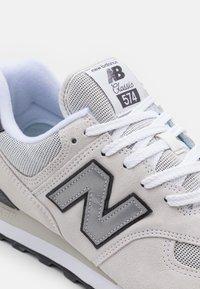 New Balance - 574 UNISEX - Sneakers basse - white - 5
