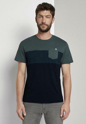 Print T-shirt - stroke green