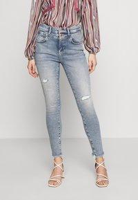 ONLY - ONLCHRISSY - Jeans Skinny Fit - light blue denim - 0