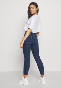 Topshop Petite - JAMIE CLEAN - Jeans Skinny Fit - indigo - 2