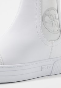 Guess - FRENZE - Wedge Ankle Boots - white - 2