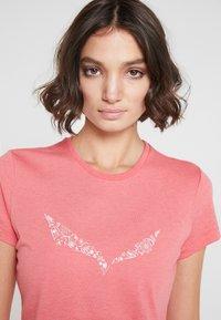Salewa - SOLID TEE - Print T-shirt - rouge red melange - 3