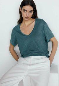 Massimo Dutti - T-shirt basic - green - 2