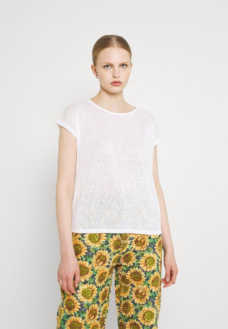 ONLY - ONLCELINE MIX - Print T-shirt - cloud dancer