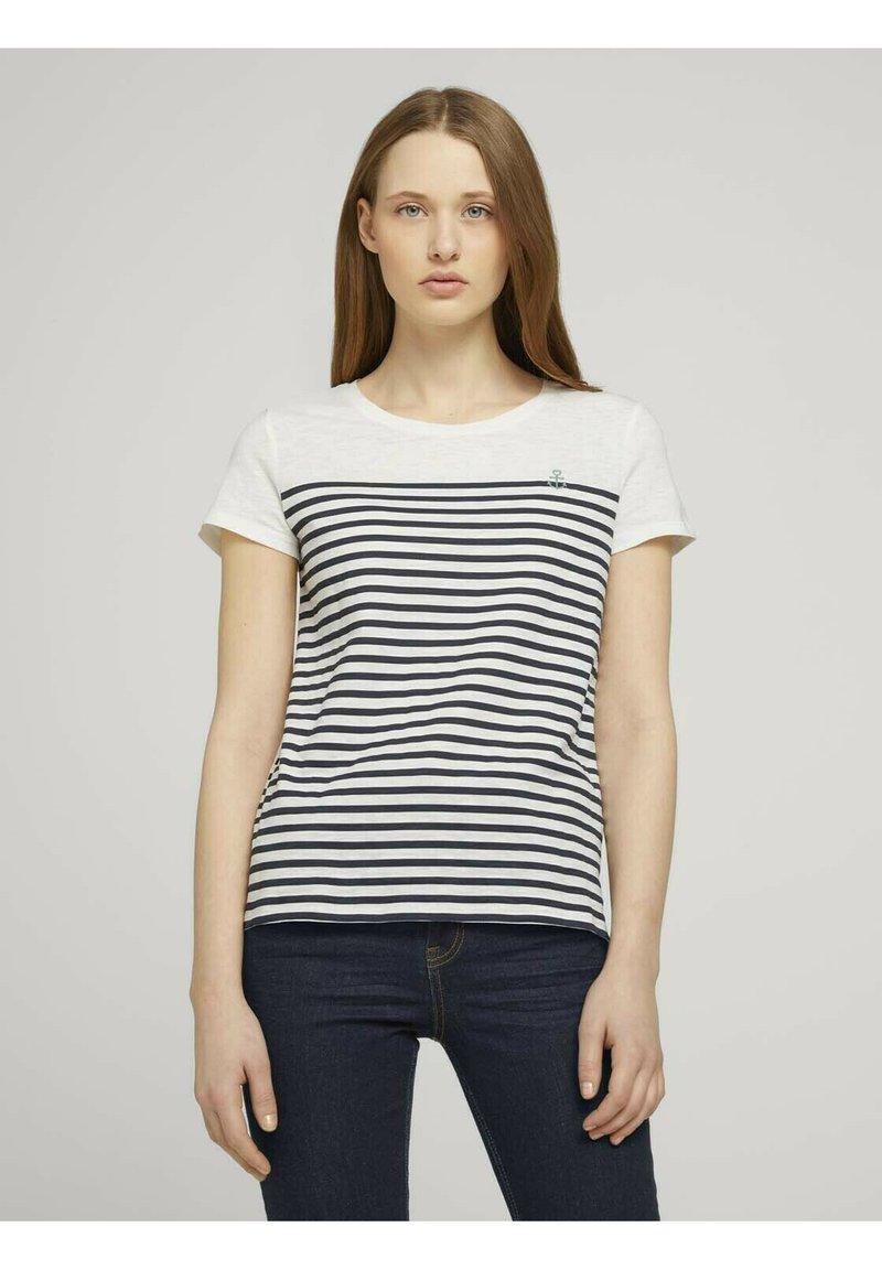 TOM TAILOR DENIM - Camiseta estampada - gardenia white