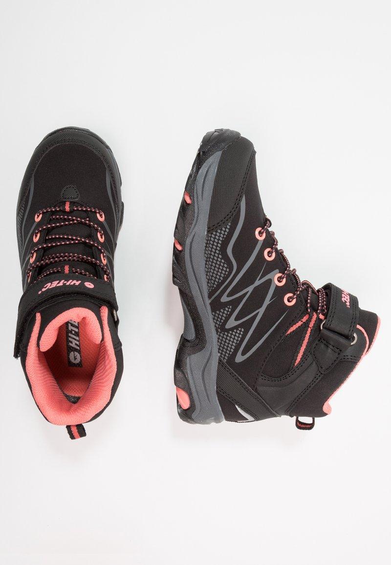 Hi-Tec - BLACKOUT MID WP UNISEX - Trekingové boty - black/pink
