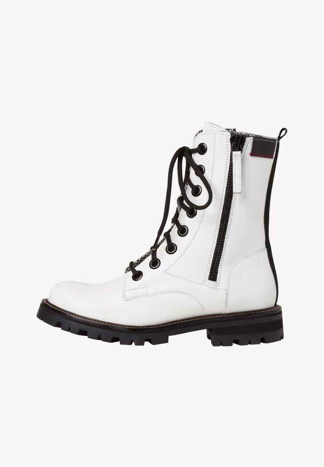 STIEFELETTE - Veterboots - white
