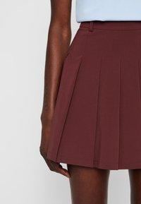 J.LINDEBERG - Shorts - dark brown - 4