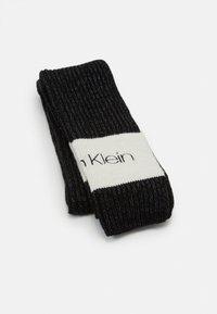 Calvin Klein - BEANIE SCARF SET - Scarf - black - 1