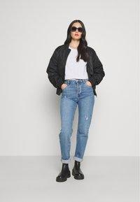 Cotton On - HIGH STRETCH - Straight leg jeans - bronte blue - 1