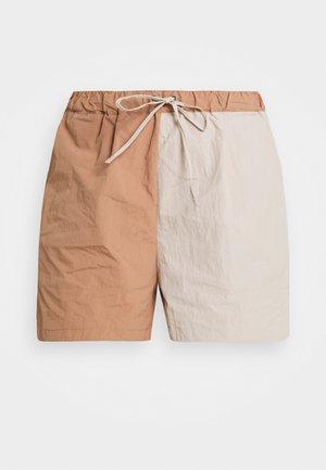 COLOURBLOCK WINDBREAKER - Shorts - tan