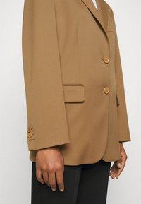 MM6 Maison Margiela - Short coat - camel - 5