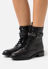Tamaris - BOOTS - Snørestøvletter - black - 0