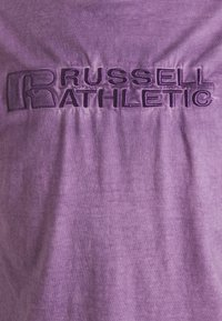 Russell Athletic Eagle R - NELSON - Print T-shirt - violet - 6