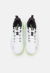 K-SWISS - ULTRASHOT 3 - Multicourt tennis shoes - white/soft neon green/blue graphite - 3