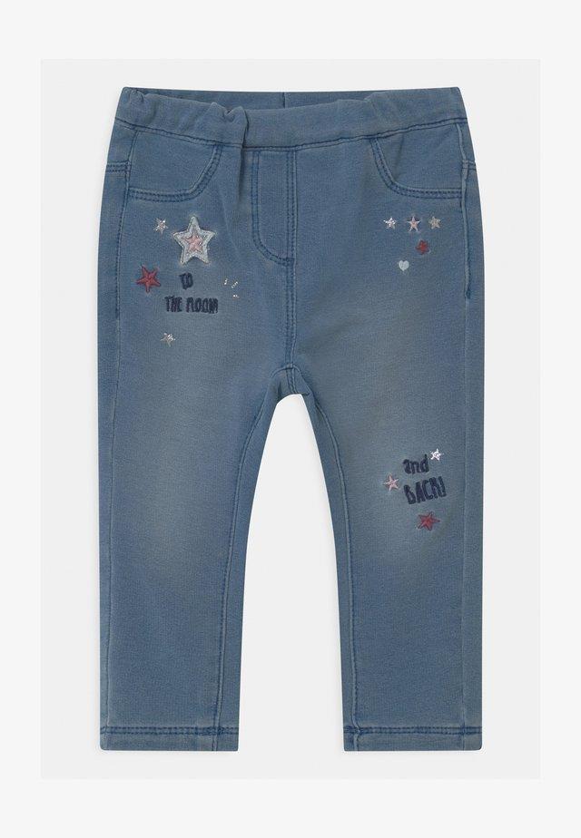 EMBRO - Pantalon classique - denim
