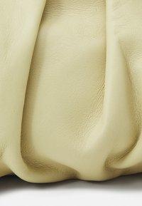 Rejina Pyo - NANE BAG - Handtas - beige - 4