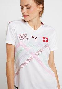 Puma - SCHWEIZ SFV AWAY JERSEY - Club wear - white/pomegranate - 6