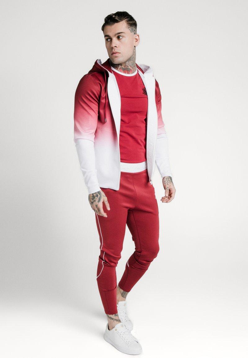 SIKSILK - AGILITY FADE ZIP THROUGH HOODIE - Felpa aperta - red/white