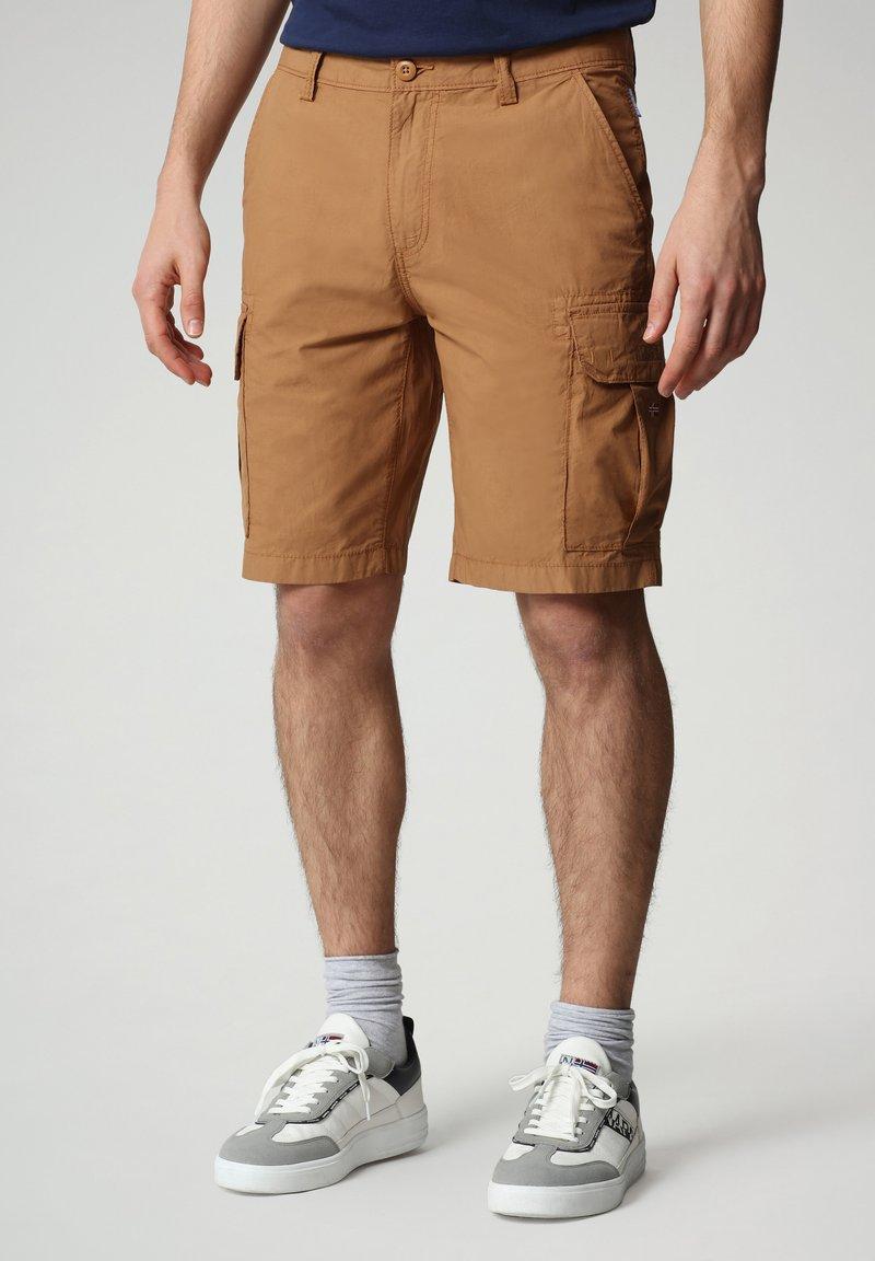 Napapijri - N-ICE CARGO - Shorts - chipmunk beige