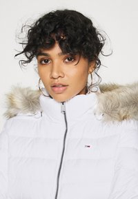 Tommy Jeans - BASIC - Down jacket - white - 5