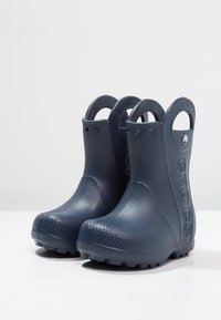 Crocs - HANDLE IT RAIN BOOT KIDS - Bottes en caoutchouc - navy - 2