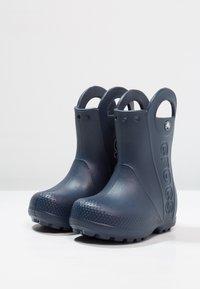 Crocs - HANDLE IT RAIN BOOT KIDS - Wellies - navy - 2
