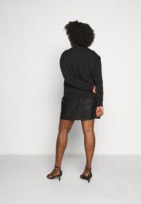 Calvin Klein Jeans Plus - CORE INSTITUTIONAL - Sweatshirt - black - 2