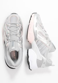 adidas Originals - EQT GAZELLE - Tenisky - grey two/matte silver/ice pink - 3