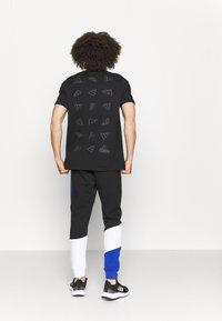 adidas Performance - COLORBLOCK SEASONAL - Pantaloni sportivi - black/bold blue - 2