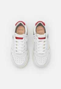 Geox - DJROCK BOY - Sneakers laag - white/red - 3