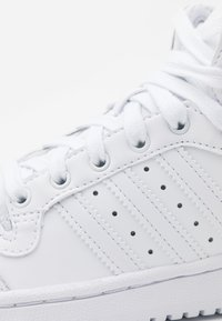 adidas Originals - TOP TEN SPORTS INSPIRED MID SHOES - Sneakers hoog - footwear white - 5
