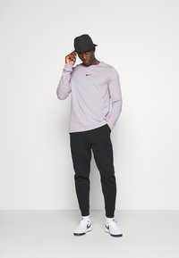 Nike Sportswear - Maglietta a manica lunga - silver lilac - 1