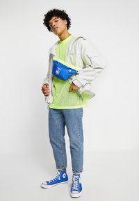 Weekday - GREAT CAPSULE - Jednoduché triko - neon yellow - 1