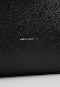 Coccinelle - ARLETTIS - Torebka - noir - 5