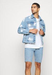 Weekday - SUNDAY  - Jeans Short / cowboy shorts - pen blue - 3