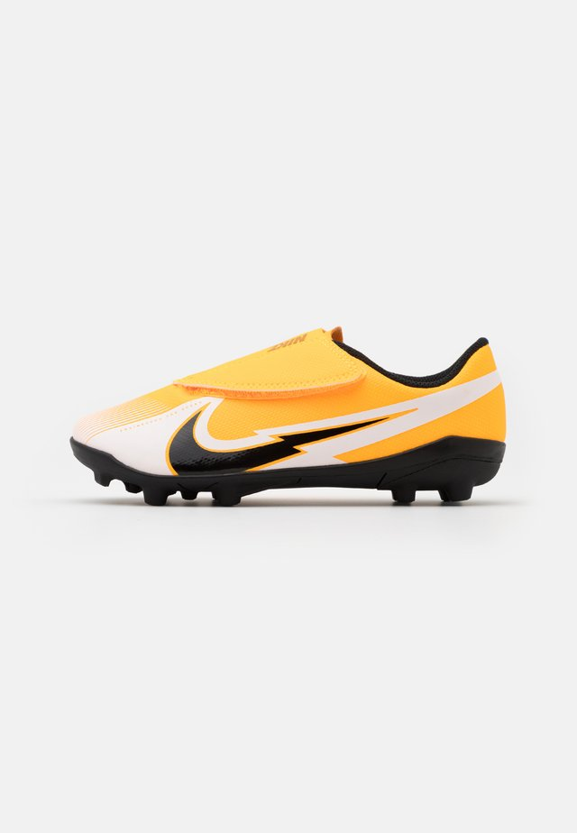 MERCURIAL JR VAPOR 13 CLUB MG UNISEX - Voetbalschoenen met kunststof noppen - laser orange/black/white
