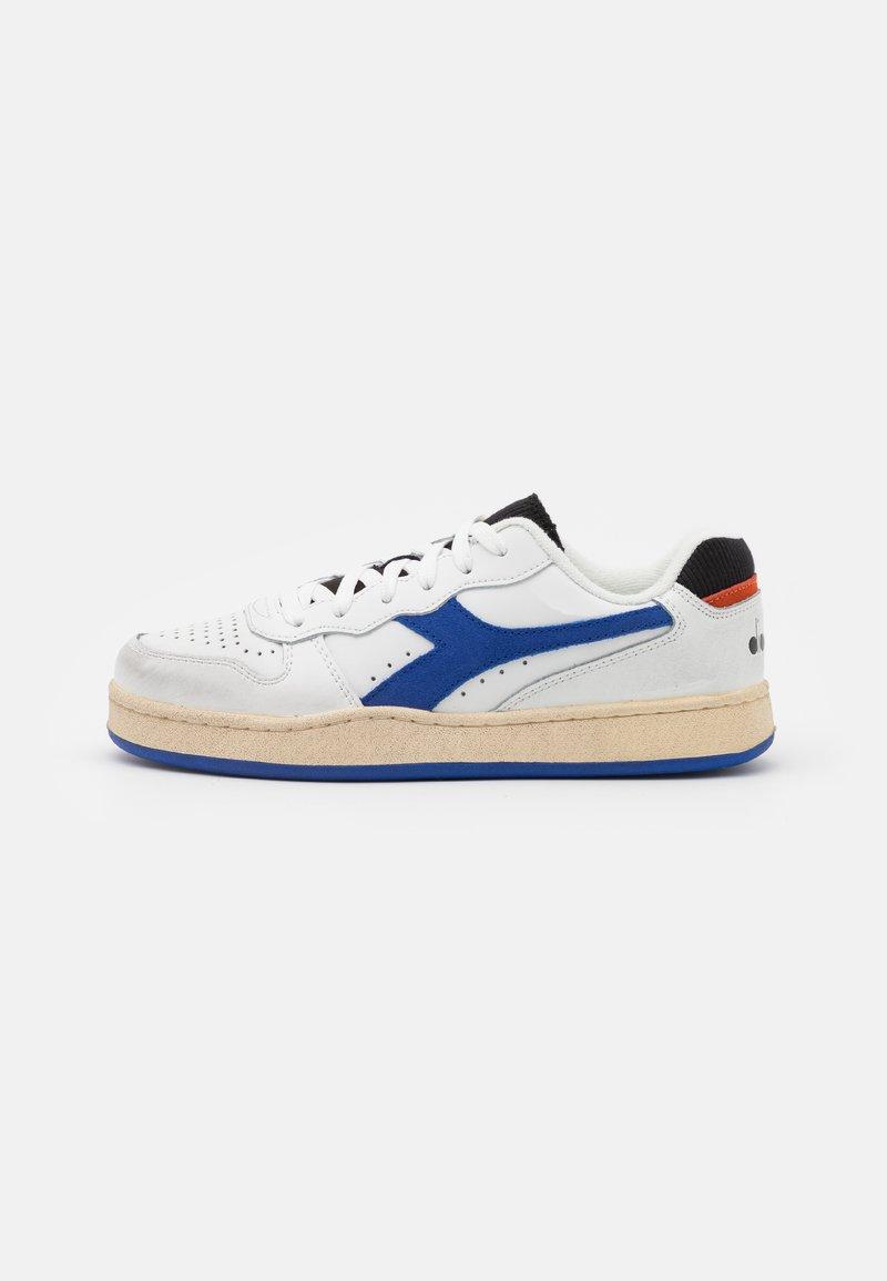 Diadora - MI BASKET ICONA UNISEX - Zapatillas - white/amparo blue/orangeade