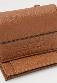 Esprit - FARGO - Wallet - toffee - 3