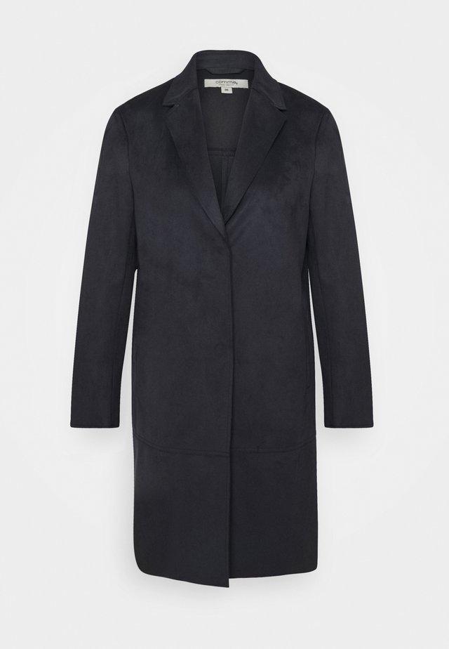 LANGARM - Klasyczny płaszcz - marine
