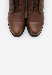 lilimill - Šněrovací kotníkové boty - king almond - 5